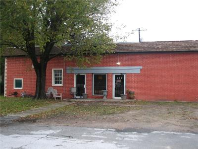 Grand Saline Commercial For Sale: 521 E Garland Street