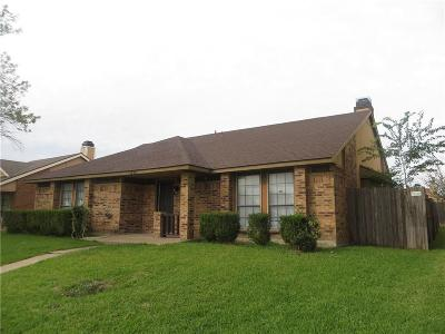 Mesquite Single Family Home For Sale: 1825 Brazoria Drive