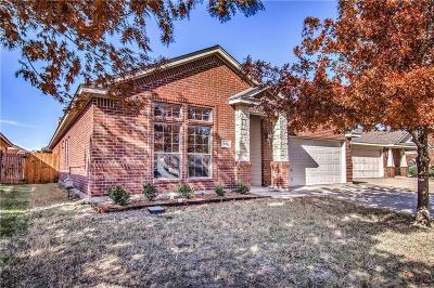 Fort Worth Single Family Home For Sale: 6165 Tilapia Drive