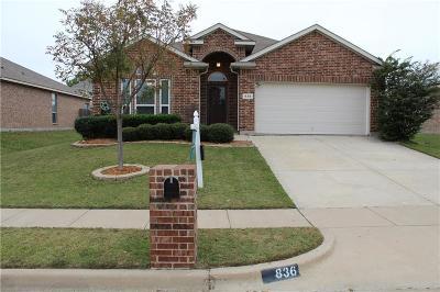 Burleson Single Family Home Active Contingent: 836 Pebblecreek Drive