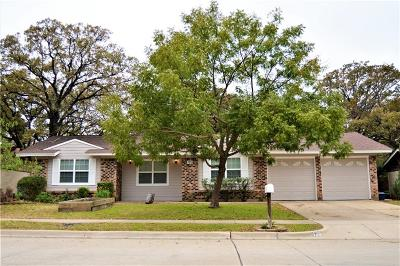 Hurst, Euless, Bedford Single Family Home For Sale: 120 Ravenswood Drive