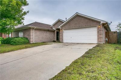 Arlington Single Family Home For Sale: 7315 Fossil Hill Drive