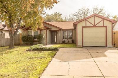 Arlington Single Family Home For Sale: 1620 Gentle Wind Drive