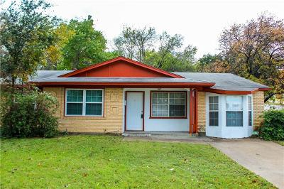Grand Prairie Single Family Home For Sale: 633 W Phillips Court