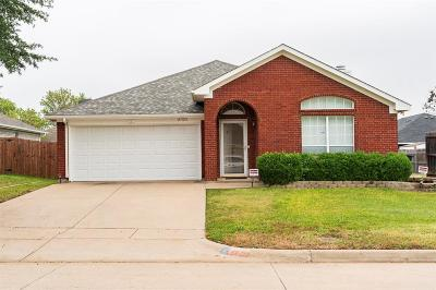 Fort Worth Single Family Home For Sale: 3725 Cove Meadow Lane