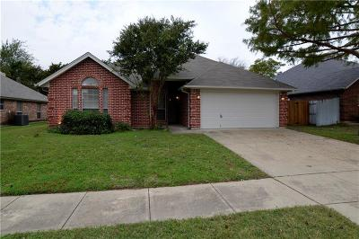 North Richland Hills Single Family Home For Sale: 6721 Lucas Lane