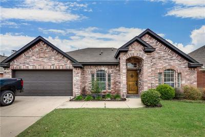 Fort Worth Single Family Home For Sale: 7621 Lawnsberry Drive