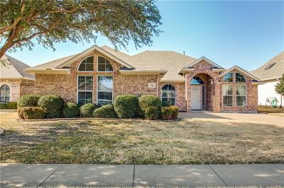 Benbrook Single Family Home For Sale: 7516 Rolling Hills Drive
