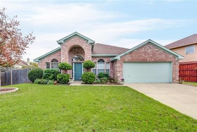 Arlington Single Family Home For Sale: 6401 Viking Trail