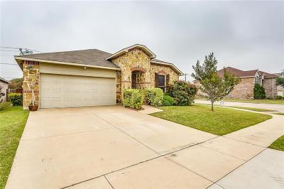Arlington Single Family Home For Sale: 621 Denali Drive