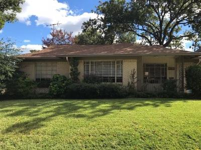 Dallas Single Family Home For Sale: 6726 Lakefair Circle