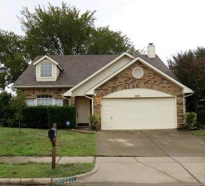 Arlington Single Family Home For Sale: 2211 Cromwell Drive