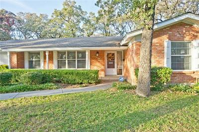 Hurst Single Family Home For Sale: 612 W Pleasantview Drive