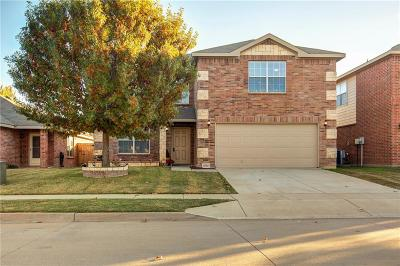 Fort Worth Single Family Home For Sale: 5752 Mountain Stream Trail