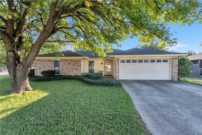 Fort Worth Single Family Home For Sale: 3936 Hemlock Street