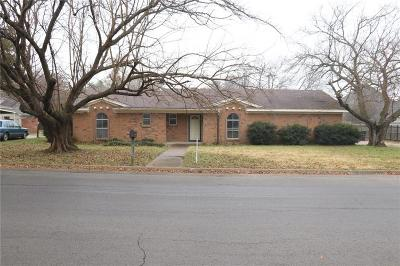 Johnson County Single Family Home For Sale: 1233 Surry Place Drive