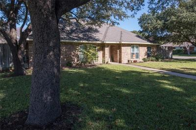 Allen Single Family Home For Sale: 819 Pebblebrook Drive
