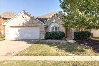 Arlington Single Family Home For Sale: 1217 Andromeda Way