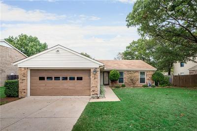 Grapevine Single Family Home For Sale: 1024 S Riverside Drive