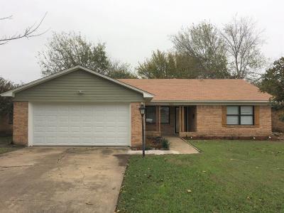 Dallas Single Family Home For Sale: 1850 Oak Hill Circle