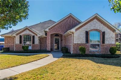 Keller Single Family Home For Sale: 1049 Oak Valley Court