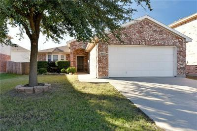 Fort Worth Single Family Home For Sale: 10457 Hideaway Trail