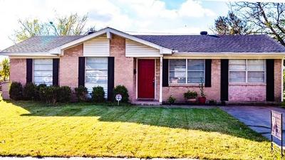 Mesquite TX Single Family Home For Sale: $149,900