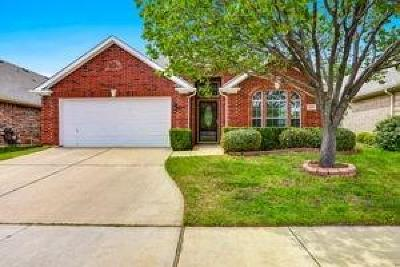 North Richland Hills Single Family Home For Sale: 3905 Glenwyck Drive
