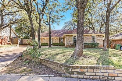 Bedford Single Family Home For Sale: 2908 Pecan Circle