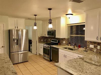 Fort Worth Single Family Home For Sale: 10205 High Eagle Trail