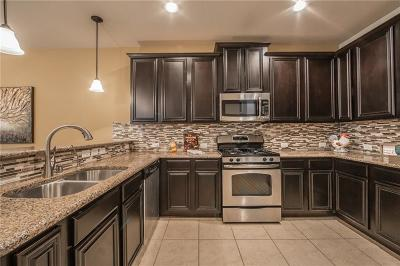 McKinney Townhouse For Sale: 8716 Papa Trail