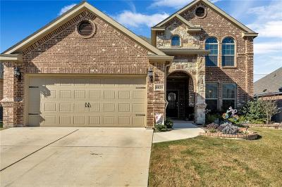 Fort Worth Single Family Home For Sale: 8825 Devonshire Drive