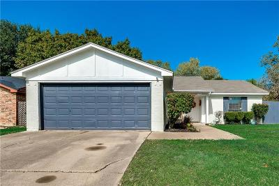 Fort Worth Single Family Home For Sale: 3713 Longstraw Drive