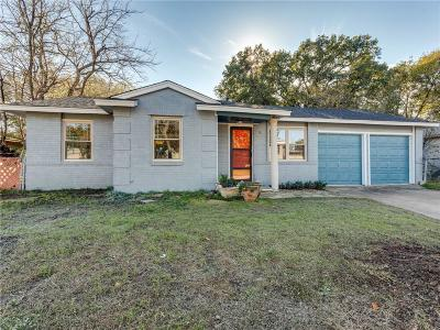 Arlington Single Family Home For Sale: 2404 Roberts Circle