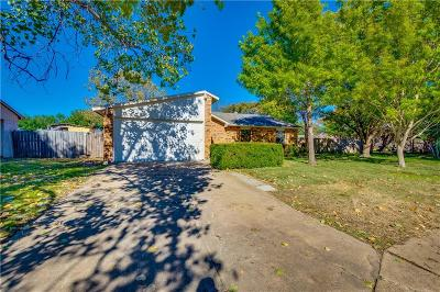 Denton County Single Family Home For Sale: 5113 Blue Glen Drive