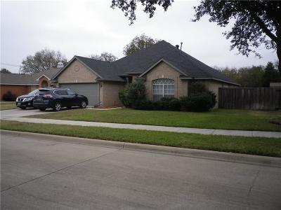 Mansfield Single Family Home For Sale: 3504 Heathcliff Drive