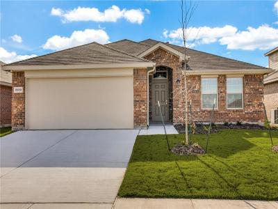 Fort Worth Single Family Home For Sale: 8900 Devonshire Drive
