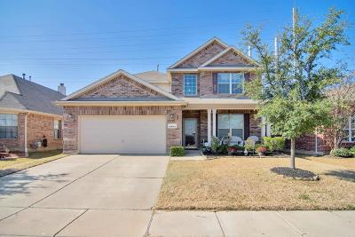 Fort Worth Single Family Home For Sale: 15641 Landing Creek Lane