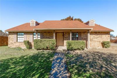 Cedar Hill Single Family Home For Sale: 458 Rainier Drive