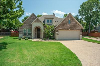 Grand Prairie Single Family Home For Sale: 651 Turf Court