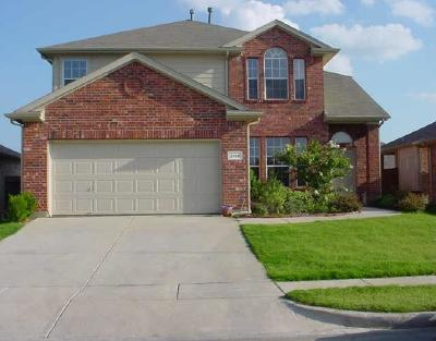 Fort Worth Residential Lease For Lease: 2108 Haylee Drive