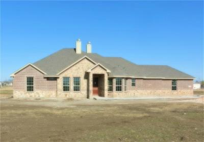 Joshua Single Family Home Active Contingent: 3424 Chinaberry Lane