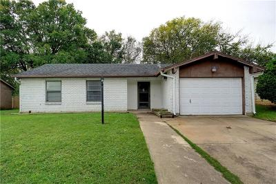 Arlington Single Family Home For Sale: 1606 Natches Drive