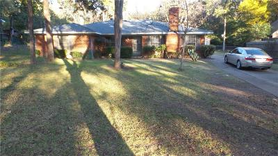 Dallas Single Family Home For Sale: 5720 Mona Lane