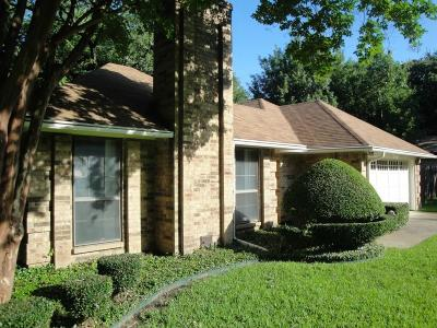Grapevine Residential Lease For Lease: 2622 Briarwood Drive