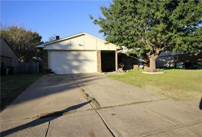 North Richland Hills Single Family Home For Sale: 6905 Arborbrook Drive