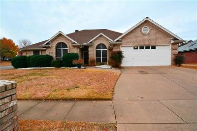Bedford Single Family Home For Sale: 3701 Ashford Drive