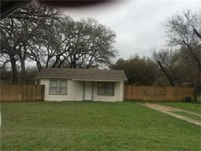 Azle Single Family Home For Sale: 632 W Columbia Drive
