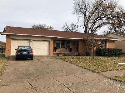 Garland Single Family Home Active Contingent: 2406 Ridgecrest Drive