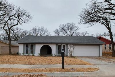 Denton Single Family Home For Sale: 2102 Jacqueline Drive